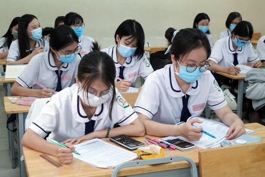 TP.HCM tạm dừng kỳ thi lớp 10 để phòng dịch COVID-19
