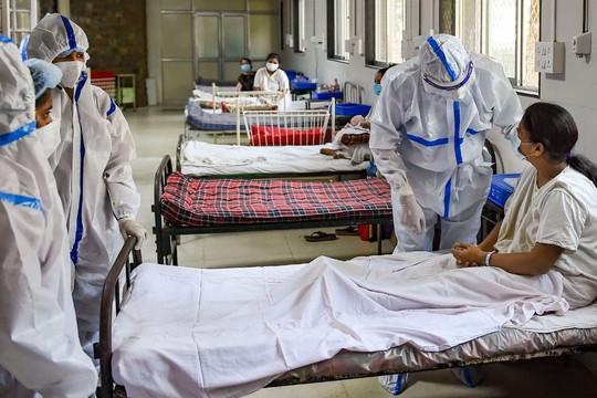 Ấn Độ gặp đại họa: Cùng lúc với dịch COVID-19 là dịch nấm đen với 12.000 ca nhiễm