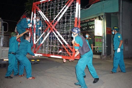 Bình Dương: Thêm ca nghi nhiễm COVID-19, Thuận An cách ly 21 thành viên tổ bầu cử, mở rộng khu vực kiểm soát