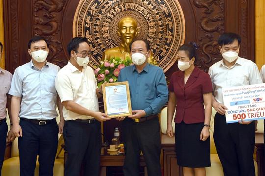 Nhóm thiện nguyện Hạt giống tâm hồn hỗ trợ Bắc Giang và Bắc Ninh chống dịch COVID-19