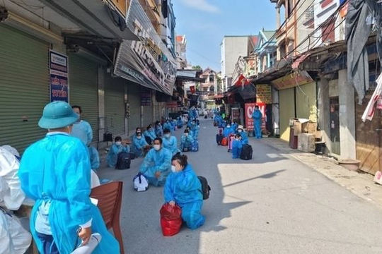 Bắc Giang đưa 2.800 công nhân ra khỏi ổ dịch
