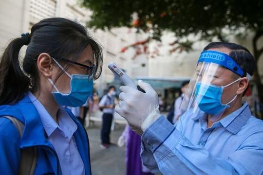 TP.HCM chỉ đạo các nhân viên y tế hạn chế tiếp xúc người xung quanh đề phòng lây COVID-19