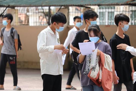 Đề thi và lời giải môn Toán vào lớp 10 THPT công lập tại Hà Nội năm 2021