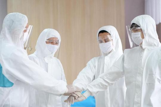 Tiếp sức cho các y, bác sĩ, nhân viên y tế đang trực tiếp điều trị bệnh nhân COVID-19