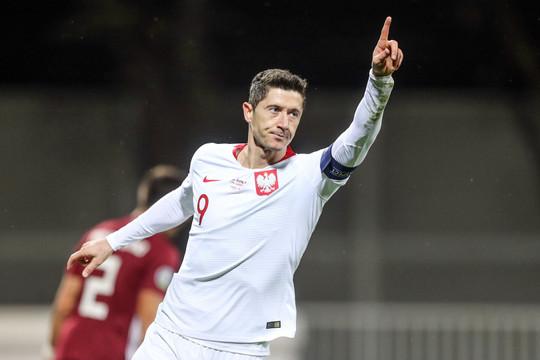 EURO 2020: Chuyên gia dự đoán Ba Lan thắng muộn Slovakia trong trận khan hiếm bàn thắng