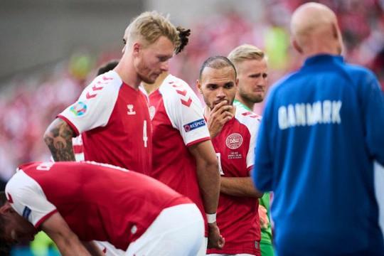 Bị nói vô cảm vì bắt Đan Mạch đá hết trận khi Eriksen ngừng tim, UEFA phân trần