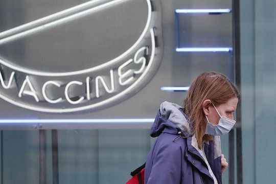 Anh huỷ lệnh dỡ bỏ phong tỏa, Thái Lan hoãn tiêm chủng vì thiếu vắc xin