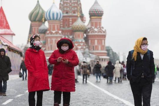 Hai triệu dân Moscow bắt buộc phải tiêm vắc xin
