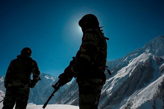Ấn Độ bất ngờ điều động 50.000 binh lính đến gần biên giới Trung Quốc