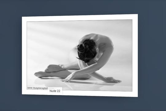 Thưởng lãm ảnh nude của Thái Phiên trên không gian 3D