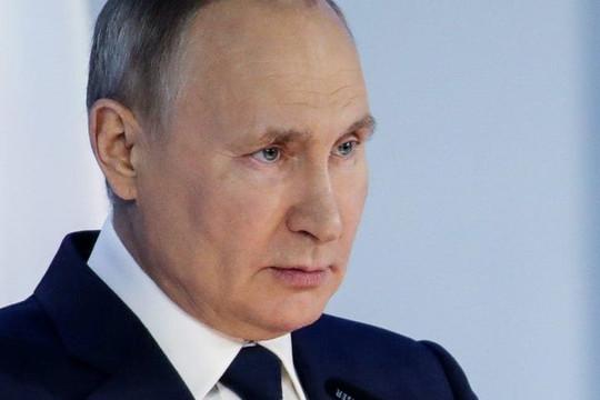 Tổng thống Putin tiết lộ đã tiêm vắc xin Sputnik V khi Nga bị biến thể Delta tàn phá