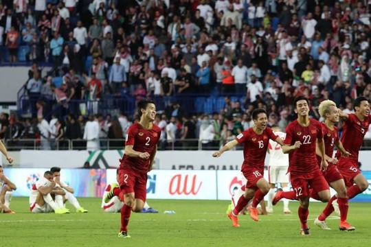 Từ kết quả của vòng 1/8 EURO 2020 đến niềm tự hào bóng đá Việt Nam