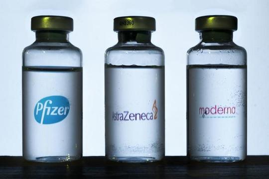 Bác sĩ Trương Hữu Khanh lý giải tâm lý chờ vắc xin Mỹ, tiết lộ đã tiêm 2 mũi AstraZeneca