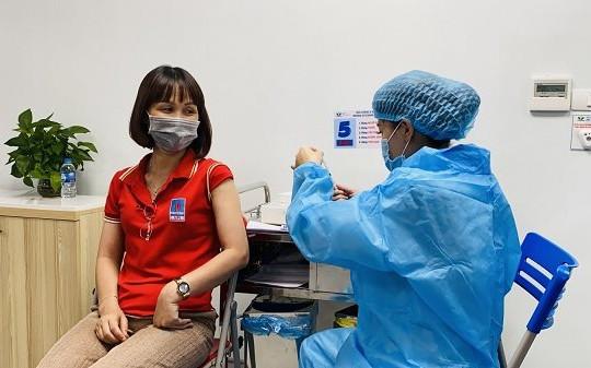 Khác biệt giữa tiêm 2 loại vắc xin với tiêm 2 mũi cùng 1 loại