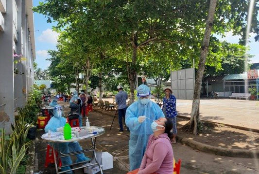 289 bệnh nhân trong 23 ổ dịch, Tiền Giang mạnh tay chống COVID-19