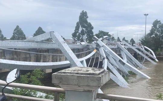 Nguyên nhân sập khung thép trang trí tiền tỉ trên cầu Maspero 2 ở Sóc Trăng