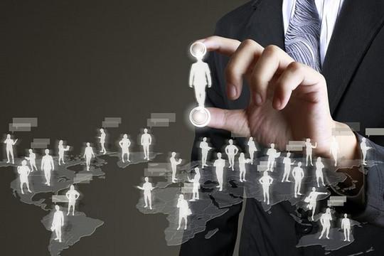Dịch vụ nào được khai thác, sử dụng thông tin trong cơ sở dữ liệu quốc gia về dân cư?