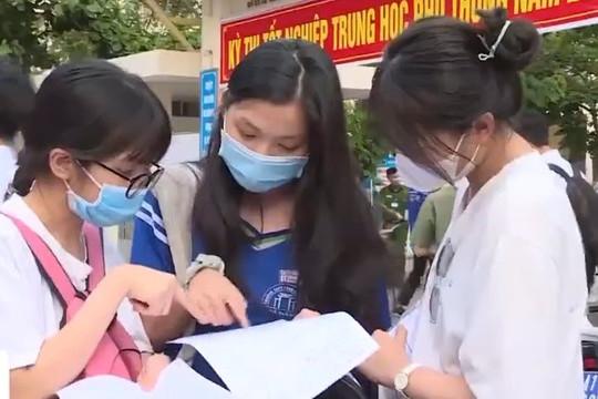 Nhiều thí sinh mong trường thi không phải nơi bùng dịch như chờ kết quả thi tốt nghiệp THPT