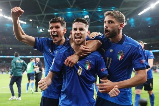 HLV Mancini rò rỉ đội hình trước chung kết EURO 2020: Ý vô địch lần 2 hay Anh đăng quang lần đầu?
