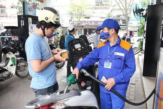 Giá xăng tăng cao nhất trong 2 năm qua