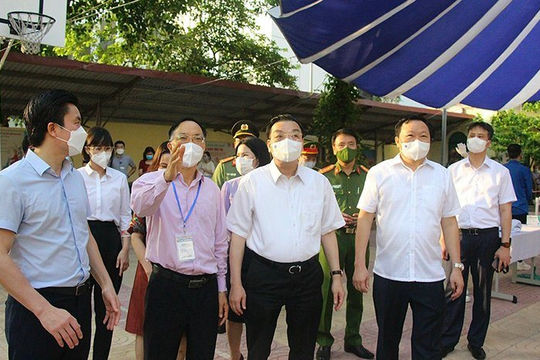 Chủ tịch Hà Nội: Không ngăn sông cấm chợ, phải cư xử chuẩn mực với dân