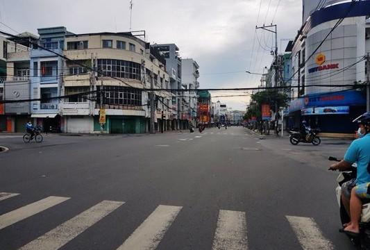 An Giang trong ngày đầu thực hiện Chỉ thị 16: Người dân không đi vét hàng như Sài Gòn hay Cần Thơ?
