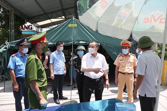 Chủ tịch Hà Nội: Chốt kiểm soát để ngăn dịch, không phải để ngăn sông cấm chợ
