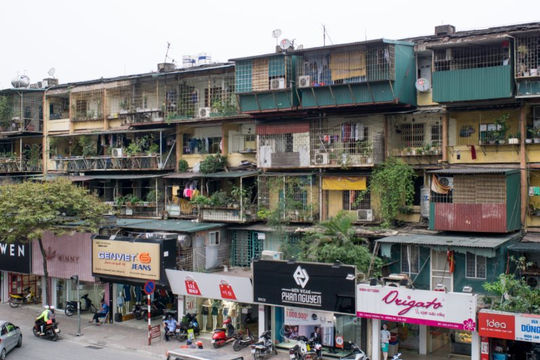 Phá dỡ chung cư cũ, phương án bồi thường thế nào?