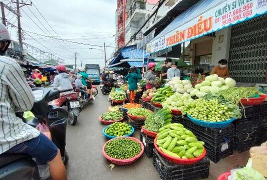 Cà Mau: Hàng hóa dồi dào, người dân chấp hành nghiêm lệnh giãn cách