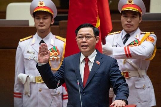 Chủ tịch Quốc hội Vương Đình Huệ tuyên thệ