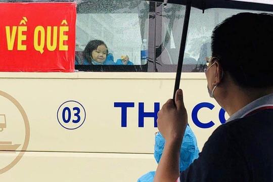 Quảng Nam thuê máy bay đưa người dân vùng dịch TP.HCM về quê