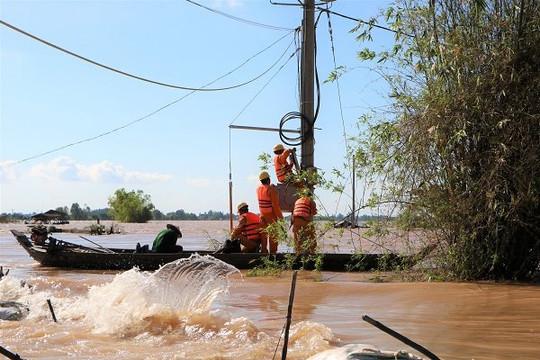 EVNSPC tăng cường hướng dẫn phòng tránh tai nạn điện mùa mưa bão