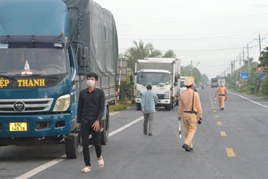 Sóc Trăng: Tập huấn kỹ năng tự bảo vệ phòng chống dịch cho tài xế