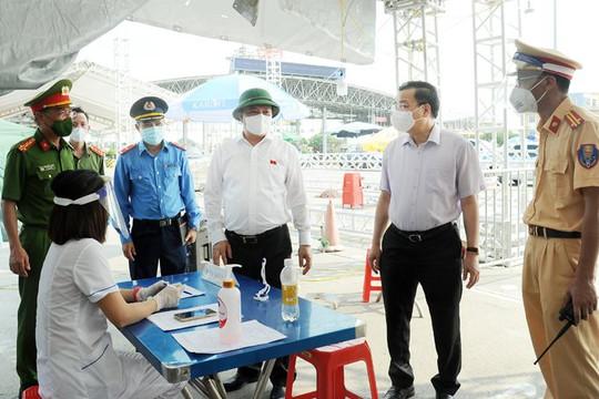Bí thư Hà Nội: Nhiều cơ quan, đơn vị không chấp hành nghiêm việc giãn cách