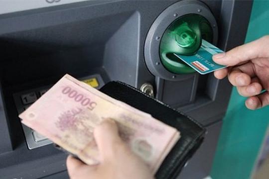 Giảm phí giao dịch trên ATM, chuyển khoản liên ngân hàng từ 1.8