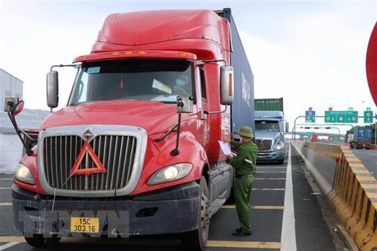 Bộ GTVT yêu cầu giám sát hiệu lực giấy xét nghiệm COVID-19 của lái xe