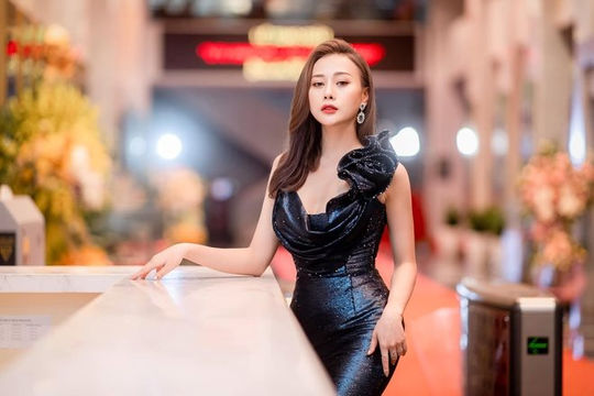 Diễn viên Phương Oanh bất ngờ xin rút tên khỏi giải thưởng VTV Awards 2021