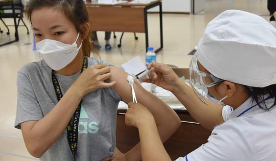 Địa phương, đơn vị nào tiêm chậm, Bộ Y tế sẽ điều chuyển vắc xin COVID-19 cho nơi khác