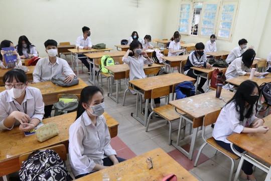 Bộ GĐ-ĐT: Giữ ổn định học phí năm học mới để chia sẻ khó khăn do dịch COVID-19
