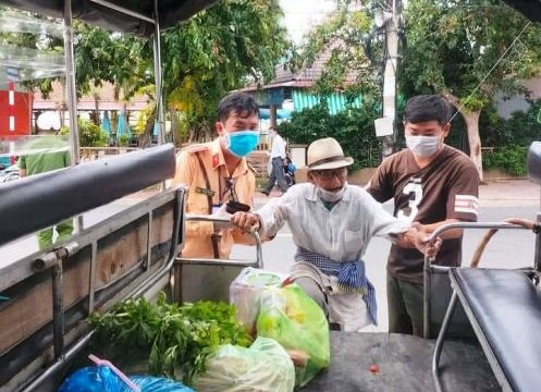 Cảnh sát Giao thông giúp cụ già 80 tuổi lạc đường trở về nhà