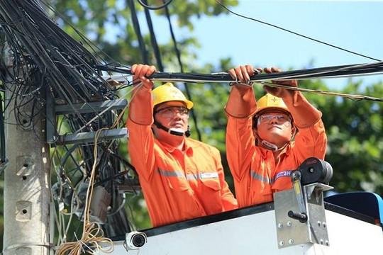 Tiêu thụ điện ở miền Nam bất ngờ giảm mạnh khi giãn cách xã hội