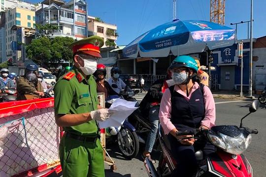 TP.HCM: Không bắt khai báo 'di biến động dân cư', siết giấy đi đường