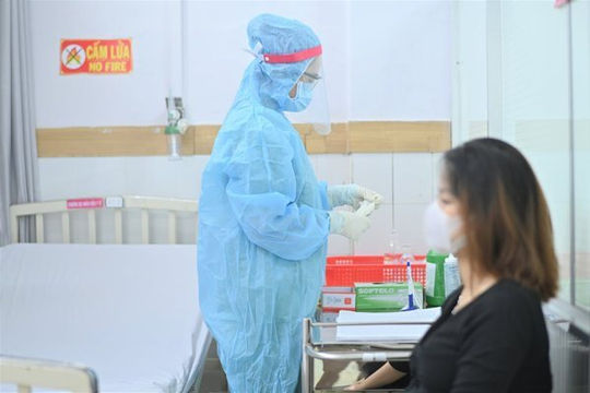 Cần Thơ chuẩn bị tiêm vắc xin ngừa COVID-19 cho 1.000 phụ nữ mang thai