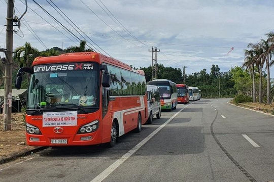 Thừa Thiên - Huế xử phạt nhóm tài xế xe 'trá hình' 85 triệu đồng