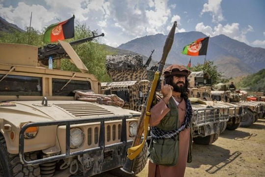 Lực lượng chống Taliban chiếm được 3 quận