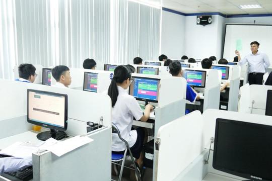 Sở GĐ-ĐT TP.HCM đề xuất miễn học phí học kỳ I để hỗ trợ khó khăn cùng người dân