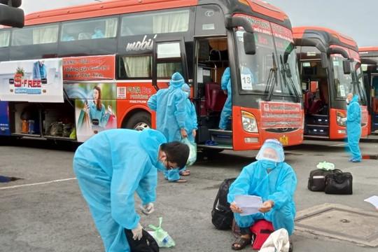 Tiếp tục đưa người dân tỉnh Phú Yên về quê