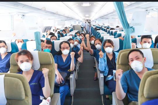 Gần 200 nhân viên y tế miền Trung vào miền Nam chống dịch