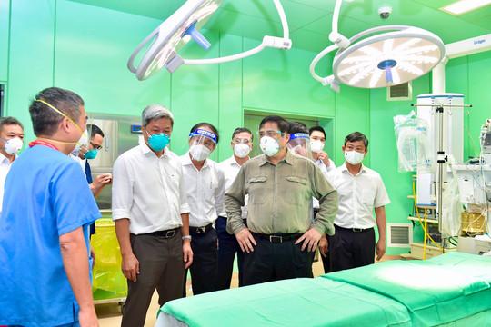 Thủ tướng Phạm Minh Chính kiểm tra, chỉ đạo công tác chống dịch tại Bình Dương