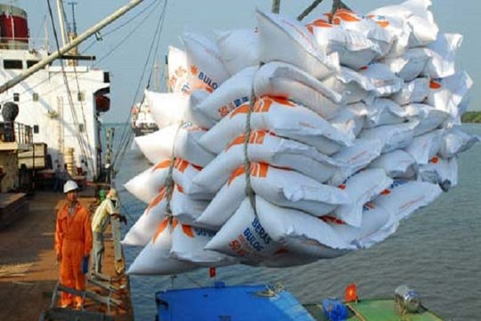Đường xuất khẩu gạo ở nhiều cảng phía nam cần thông suốt trở lại